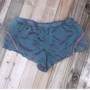 Urban Outfitters | Without Walls Shorts Medium